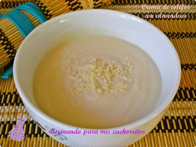 crema de coliflor con almendras