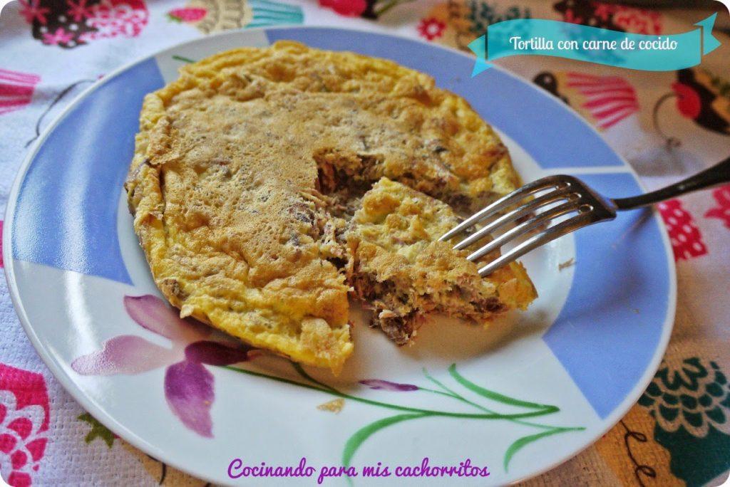 Tortilla con carne de cocido