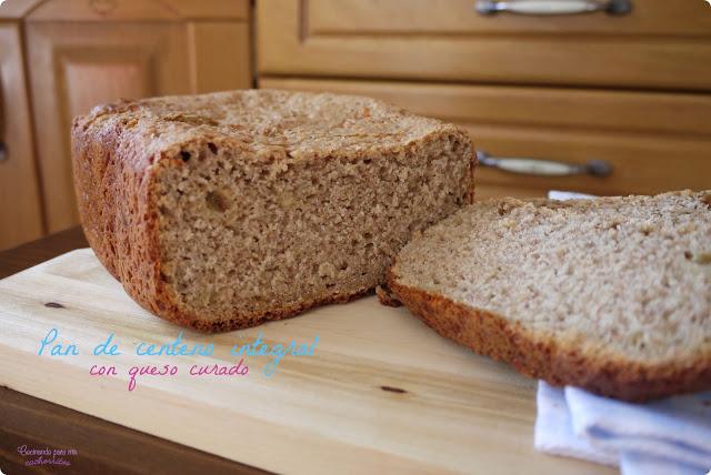 pan de centeno con queso curado