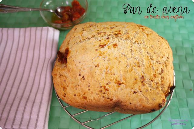 pan de avena con tomates confitados