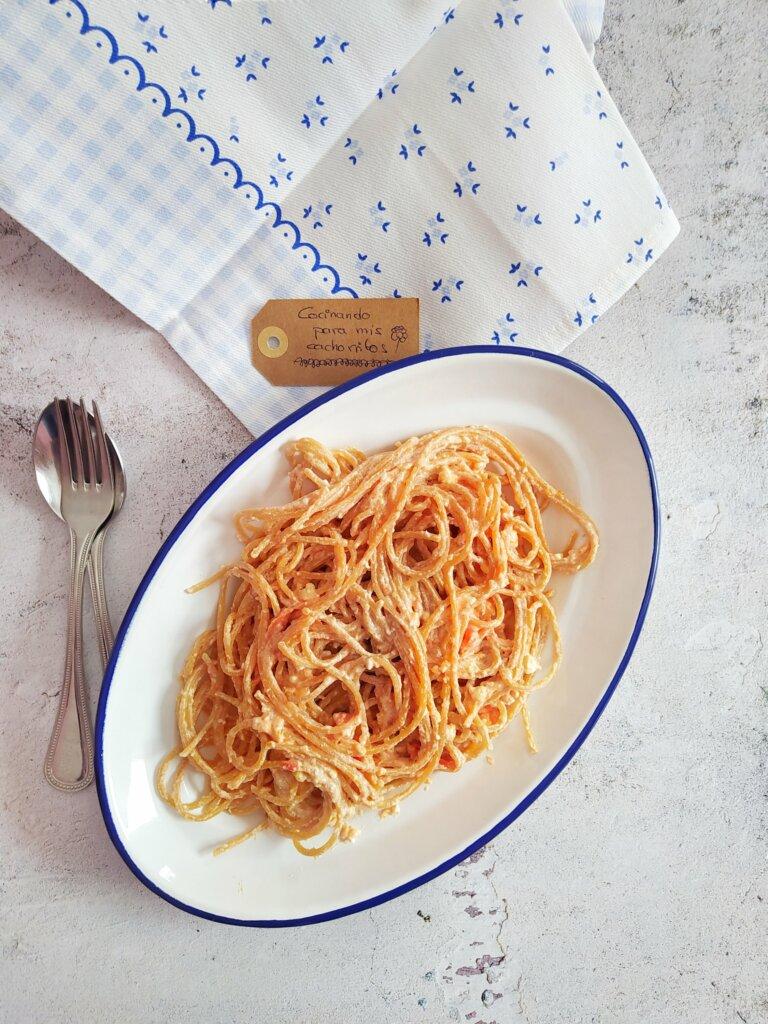Espaguetis queso feta