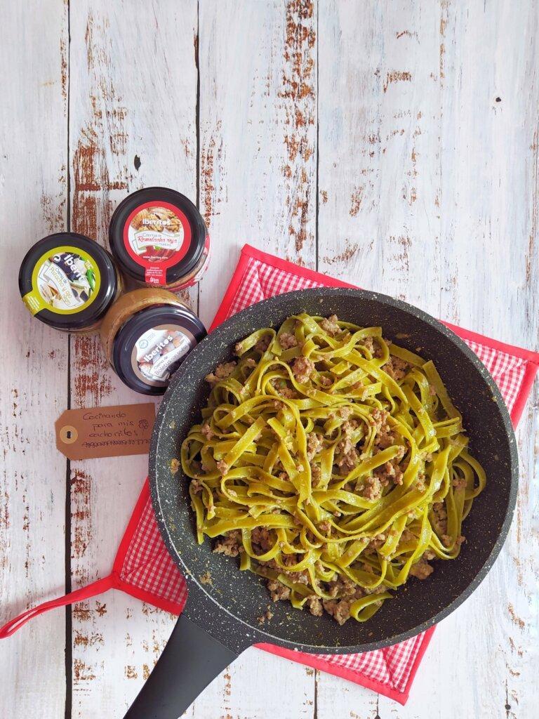 Fetuccini verdes con Iberitos
